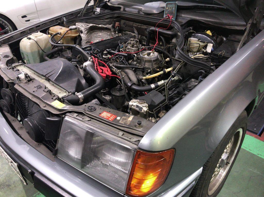 ベンツW124修理 エンジンハウンチング