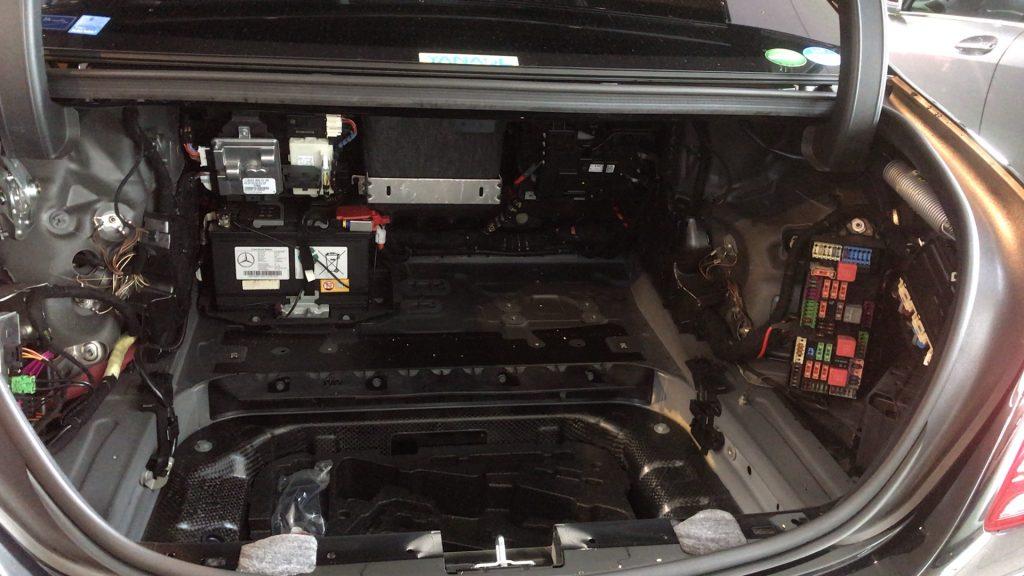 ベンツW222修理