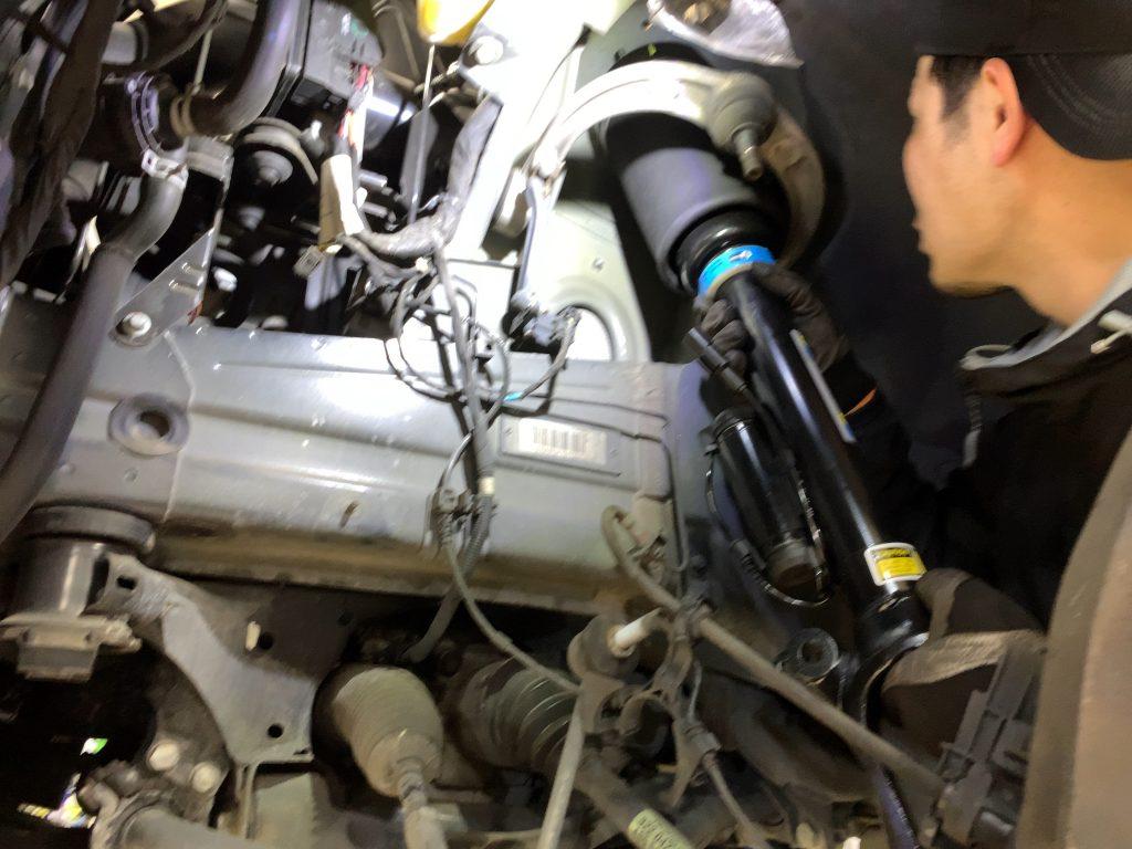 ベンツエアサス修理(フロント車高下がり)